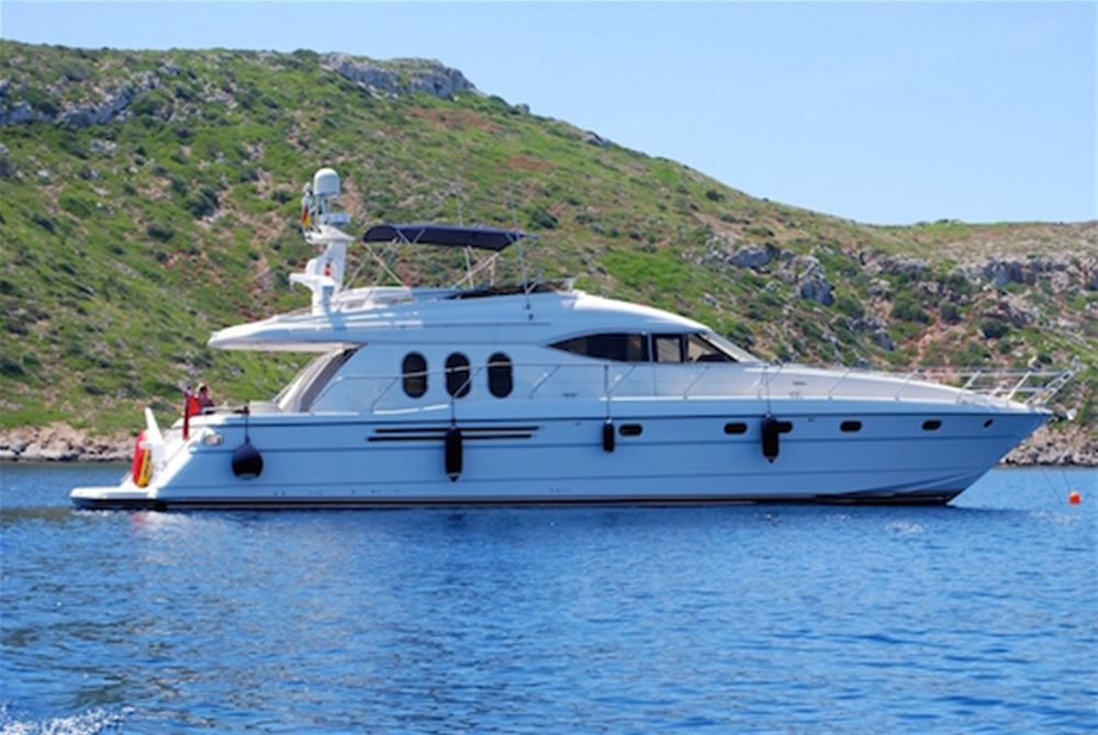 Excellent value luxury motor yacht for 6 guests for charter Malllorca
