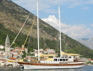 Crewed gulet yacht for 14 guests Croatia & Montenegro