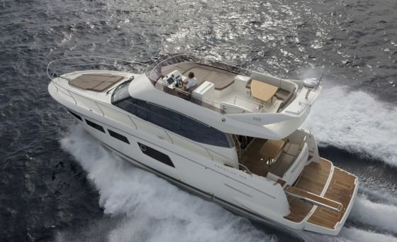 Jeanneau Prestige 50 Motorboat for Bareboat charter or with Skipper, Split Croatia
